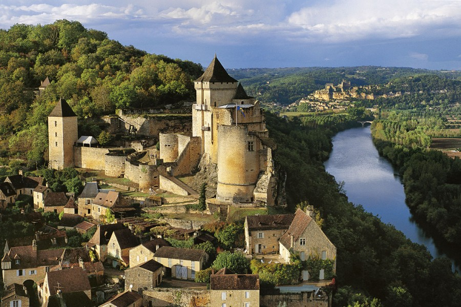 France, Perigord, Dordogne, Castelnaud Castle and Village